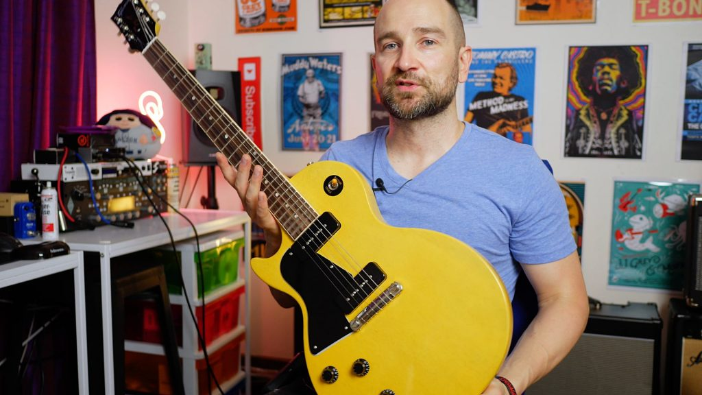 Shane playing his new Gibson Les Paul Studio in TV Yellow